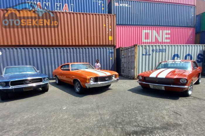Bea Cukai Tanjung Priok lelang Chevrolle SS (warna oren) , Ford Mustang 289 (warna biru) dan Mustang GT350 (warna merah)