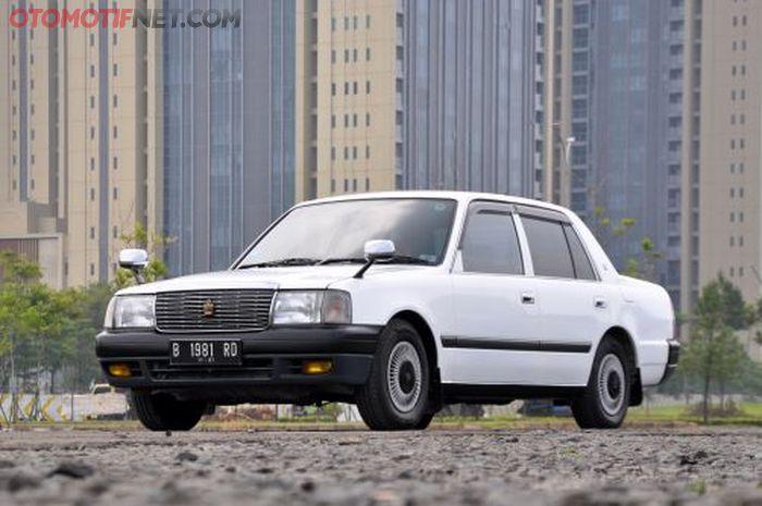 Toyota Crown Comfort 2003 ini Tak lagi terlihat bekas taxi
