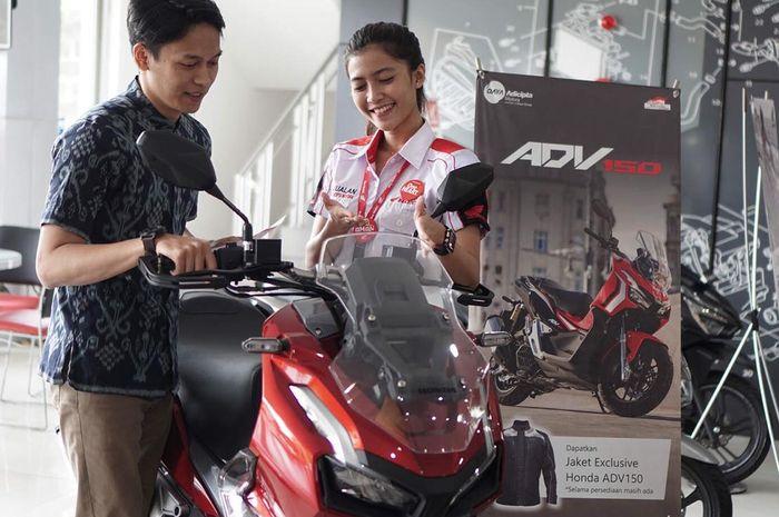 (Ilustrasi) Penjualan motor di salah satu dealer Honda Jawa Barat