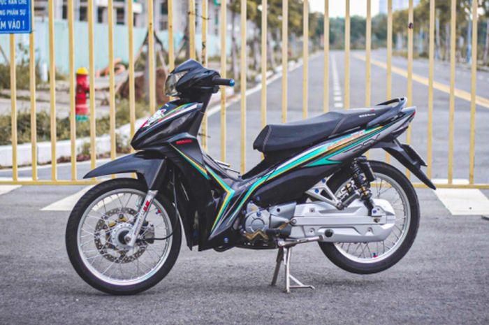 Honda Revo X Kelihatan Biasa Tapi Nyatanya Pasang Part Part Mewah Gridoto Com