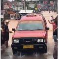 Isuzu Panther Viral Terjang Banjir di Bekasi, Kelebihan Mesin Dieselnya Terkuak!