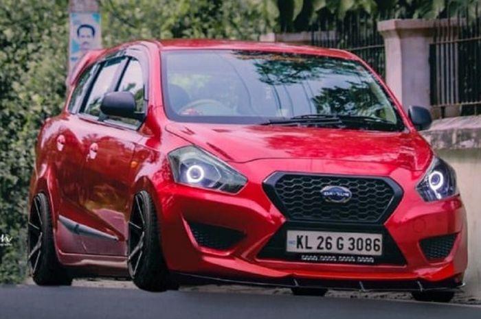 Modifikasi Datsun GO Plus Panca dari India dengan kelir merah metalik