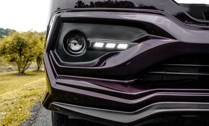 DRL LED di bumper depan bikin Toyota Rush lebih modern