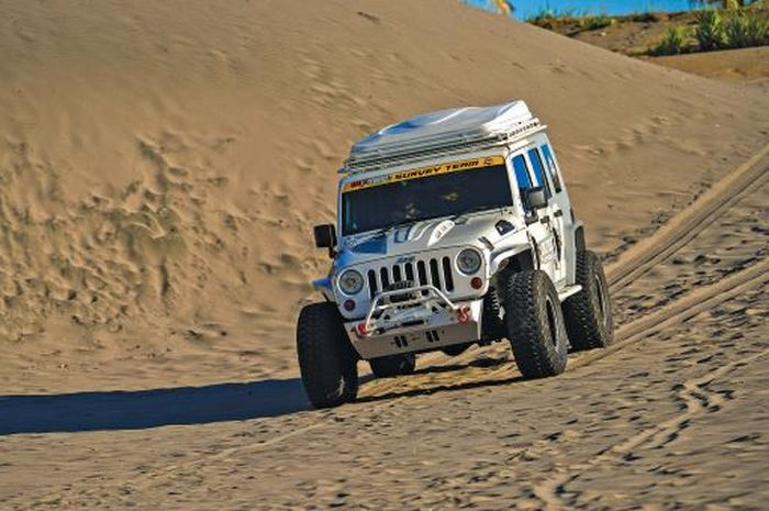 Modifikasi Jeep Wrangler JK Rubicon 2010, Terjangkit Virus Overland