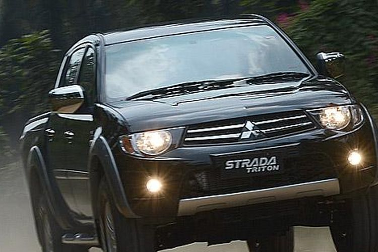 Spare Parts Melimpah Biaya Perawatan Mitsubishi Strada Triton Segini Di Bengkel Resmi Gridoto Com