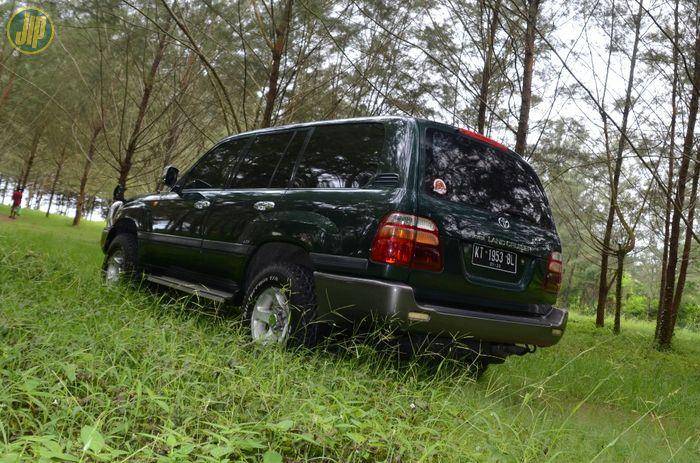 Toyota Land Cruiser 105 varian langka yang sulit di dapat
