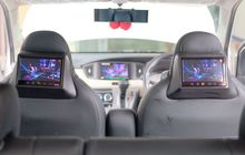 pasang headrest monitor di toyota calya facelift bikin penumpang betah di kabin