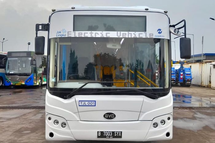 Pengecasan baterai bus listrik EV1 memakan durasi kurang dari 4 jam setiap harinya