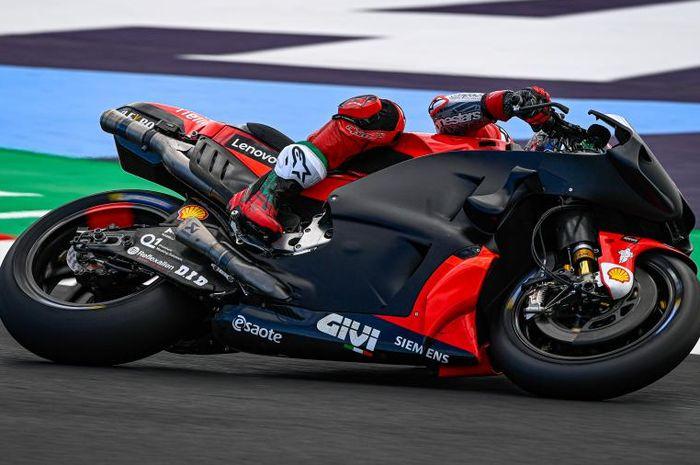 Pecco Bagnaia saat menjalani tes MotoGP Misano 2021 di hari pertama