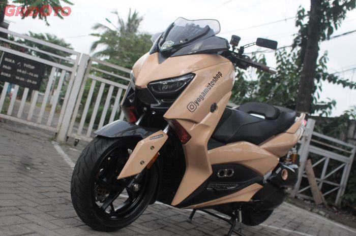 Modifikasi Yamaha XMAX kece bergaya sporty elegan milik komandan bengkel YMS