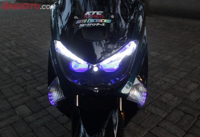 Tampang depan Yamaha NMAX lama kece dengan custom headlamp