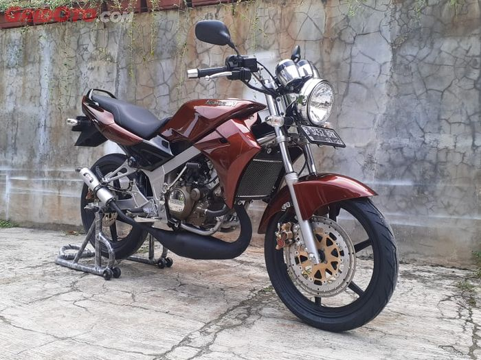 Kawasaki Ninja R pakai pelek Suzuki Satria 120 R