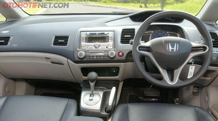 Kabin depan Honda Civic FD1